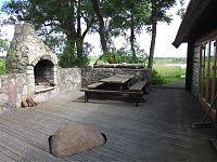 Küla Villa peonurk saunamaja juures
