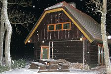 Küla Villa saunamaja lumes